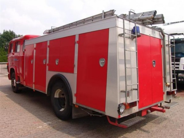 scania lb 86 feuerwehr lkw 5000 liter tank pumpe preis. Black Bedroom Furniture Sets. Home Design Ideas
