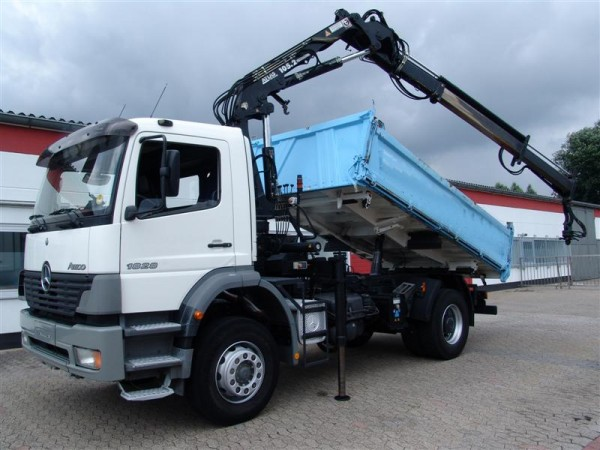 Mercedes-Benz - Atego 1828 Volquete trilateral