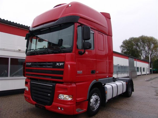 DAF - XF 105 460 SSC tractor