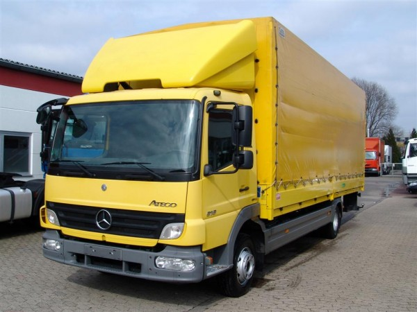 Mercedes-Benz - Atego 918 L Stake body and tarpaulin truck Liftgate Payload 3990kg