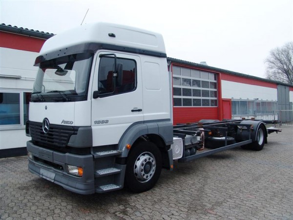 Mercedes-Benz - Atego 1833 chasis intercambiable