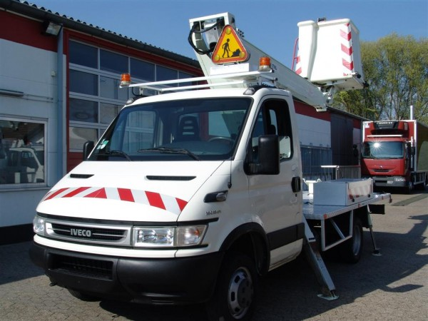 Iveco - Daily 35C12 working platform 13 m working height 4-point hydraulic support