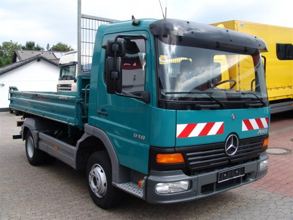Mercedes-Benz - Atego 918 three-way tipper with only 114 tkm