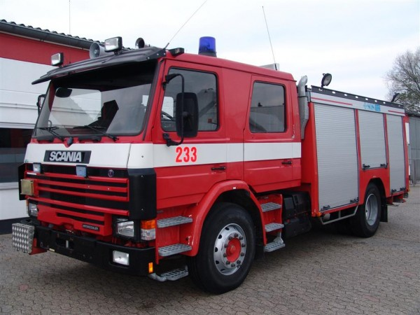 - P 92M 4x2 twin cab Firefighters tanker water pump