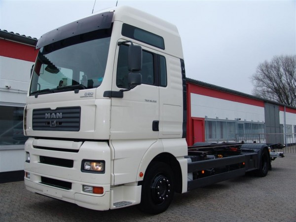 MAN - TGA 18.350 xxl EURO 4 liftgate first hand stationary air-conditioning