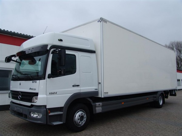 Mercedes-Benz - Atego 1524 box body 8,5m sleeping cab. 2 sleepers liftgate