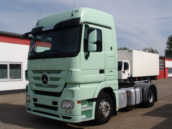 Mercedes-Benz - Actros 1844 MP3 Megaspace built year 2010 First hand