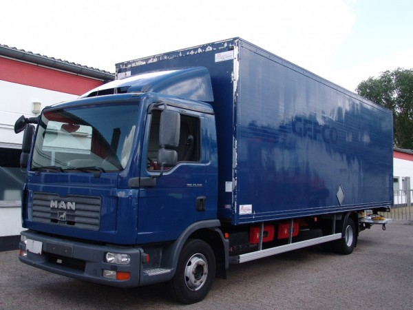 MAN - TGL 12.210 EURO 4 case 7,50m liftgate air conditioning 2 tanks