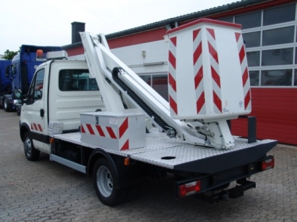 Iveco Daily 35C12 Nacelle TLE 101 10,70