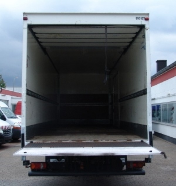 MAN TGL 12.180 container EURO 4 Lift