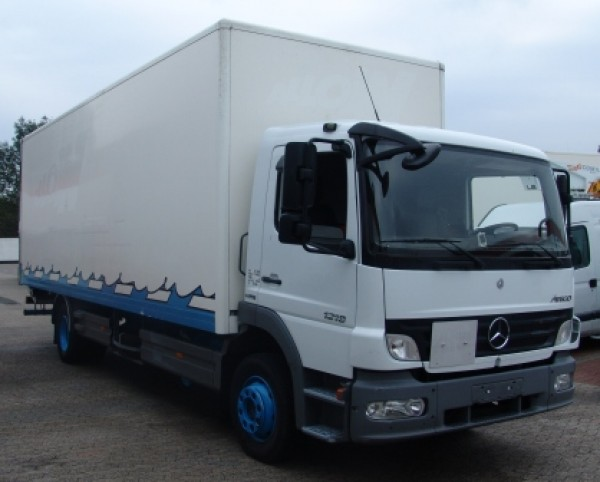 Mercedes-Benz Atego 1218 fourgon 7,60m hayon suspensions air