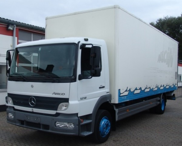 Mercedes-Benz - Atego 1218 Box body 7,60m Loading tailgate  Air cushioning