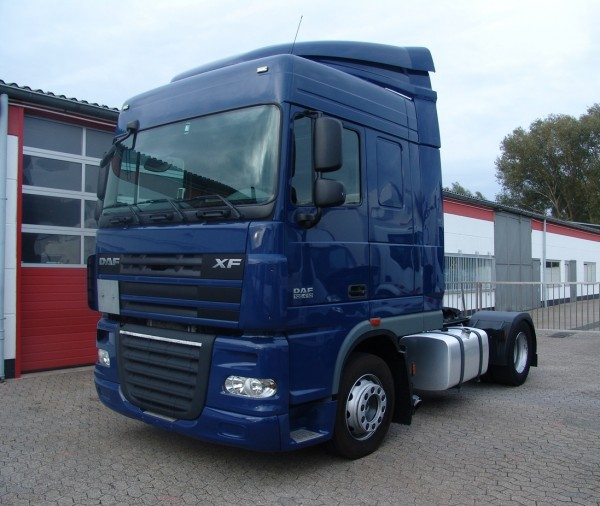 DAF - xf 105.410 SpaceCab I Hand Schalter EURO5