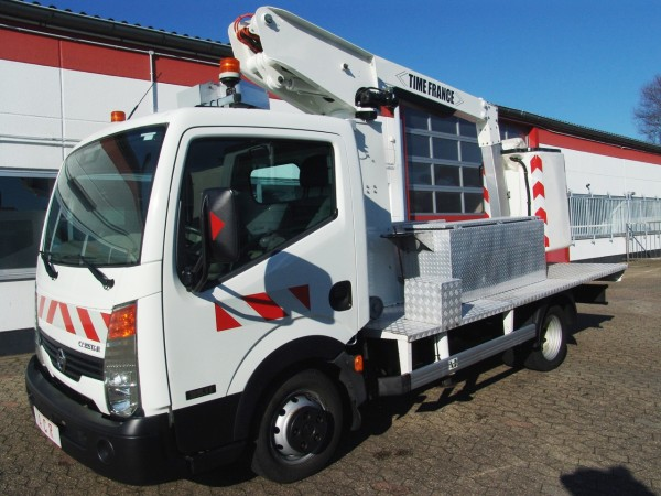 Nissan - Nissan Cabstar autocarrata Time France 10m