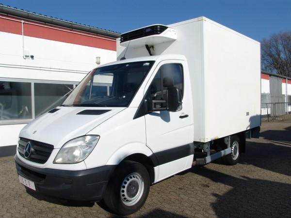 - Sprinter 313cdi fridge box Carrier Xarios 300 engine and standing fonction