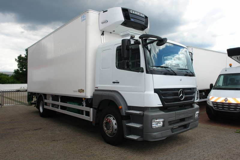 Mercedes-Benz Axor 1829 fridge box meathanging system EURO5