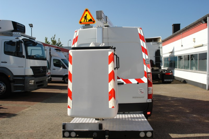 Master 125dci working lift 10m Versalift ET32LEXS only 416 machine hours!