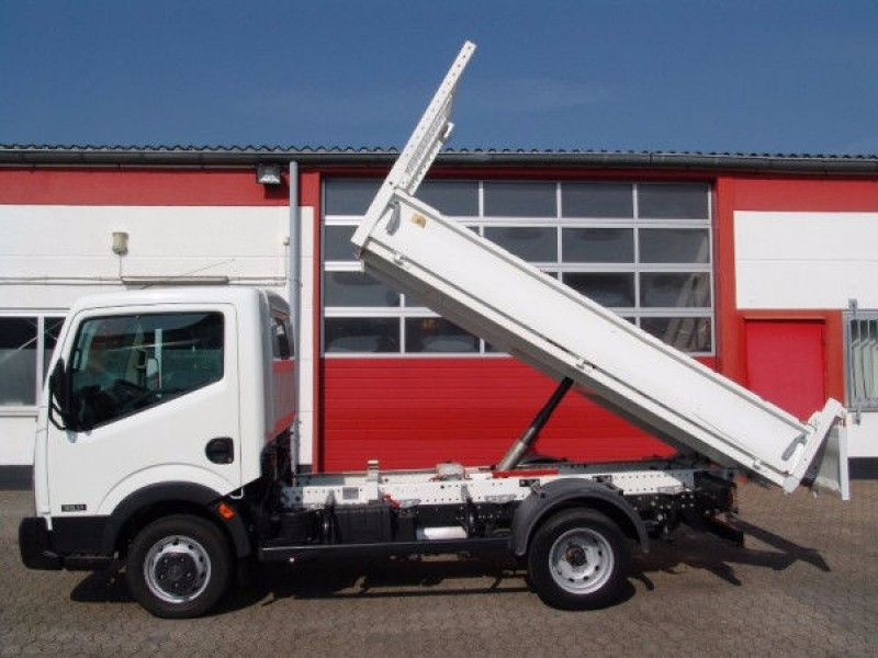 Cabstar 35.11 tipper 3 seats 1400kg payload new TÜV and UVV!