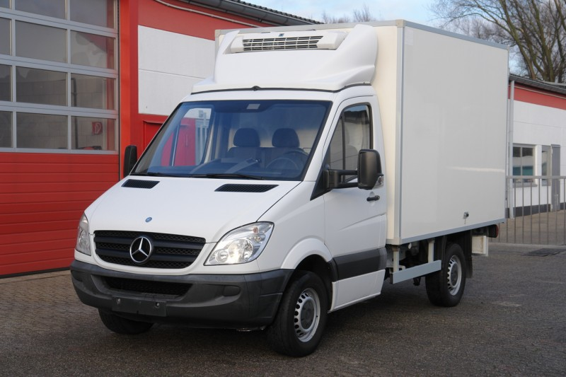 Mercedes-Benz - Sprinter 313Cdi fridge box Thermoking V200MAX 910kg payload EURO5