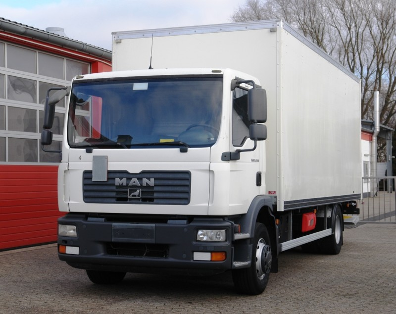MAN - TGM 15.240 closed box 6,50m airco liftgate 1500kg new TÜV!