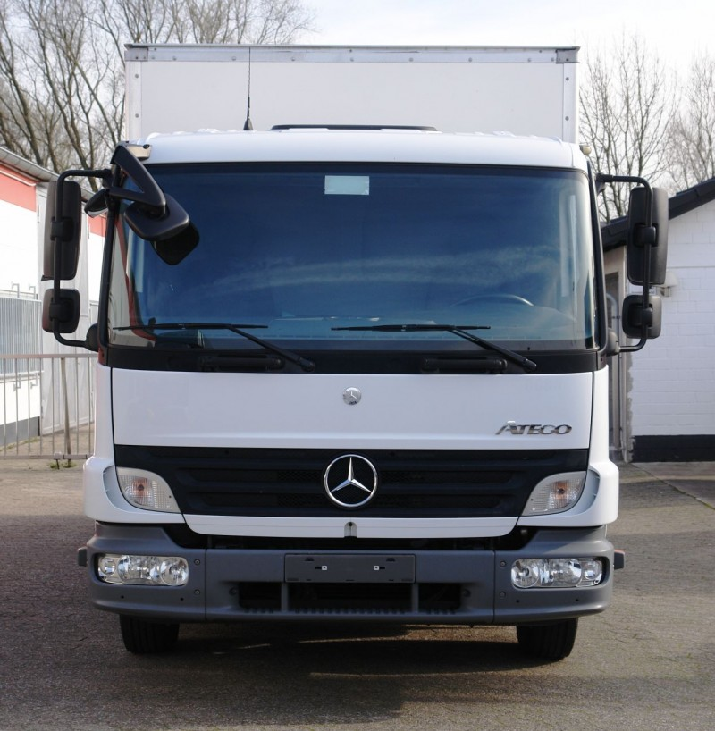 Mercedes-Benz - Atego 1018 box 5,30m sidedoor liftgate 1500kg EURO5 TÜV new!