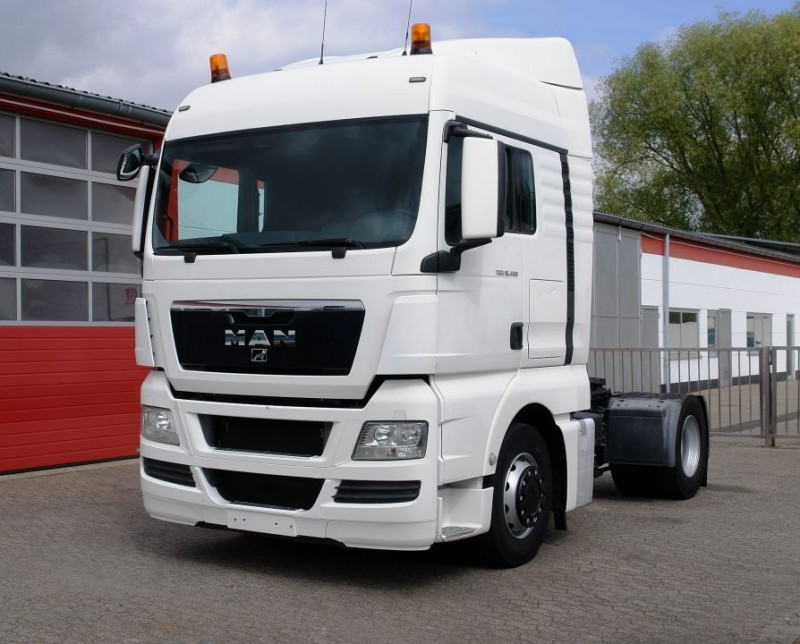 MAN - TGX 18.400 XL Intarder airco manual gearbox fuel tank 780L TÜV new!