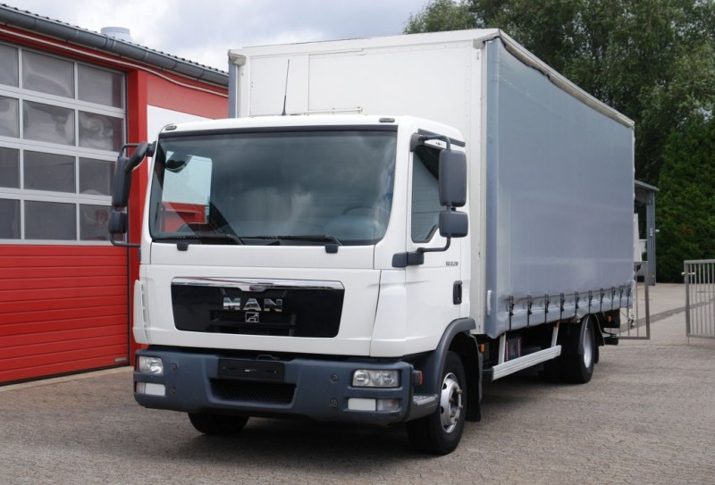 MAN - TGL 12.210 tarpaulin 6,5 meters automatic gearbox new tarpaulin! TÜV new!