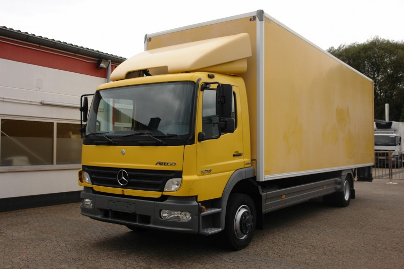 Mercedes-Benz - Atego 1218 caz 7,80 m lift telescopic 1500kg spoiler acoperiș manual TÜV nou!