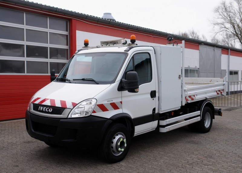Iveco - Iveco Daily 65C18 Benne! Boîte à outils! Attelage!