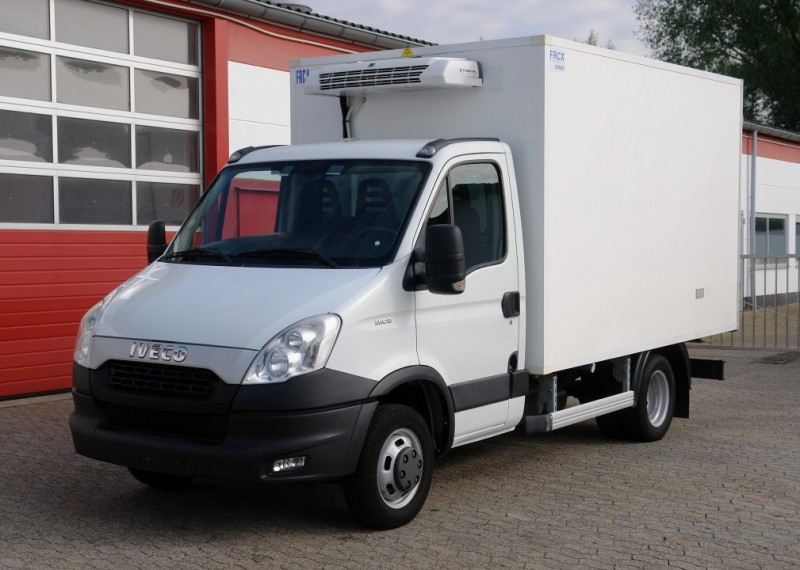 Iveco -  Daily 35C13 frigorifique Thermoking V300MAX! EURO5!