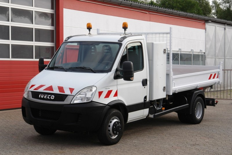 Iveco - Daily 70C18 3-side benne clim! Attelage! boîte à outils