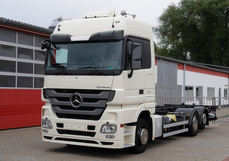 Mercedes-Benz - Actros 2536L 6X2 BDF container xenon no-idle air conditioning liftgate towbar EURO5 new TÜV