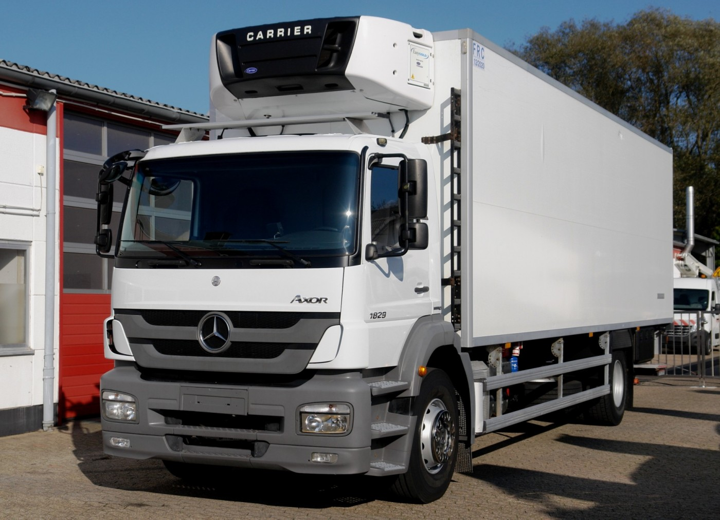 Mercedes-Benz - Axor 1829 NL Camion frigorific 8,70m Carrier Supra 950 Lift hidraulic 1500kg aer conditionat EURO5