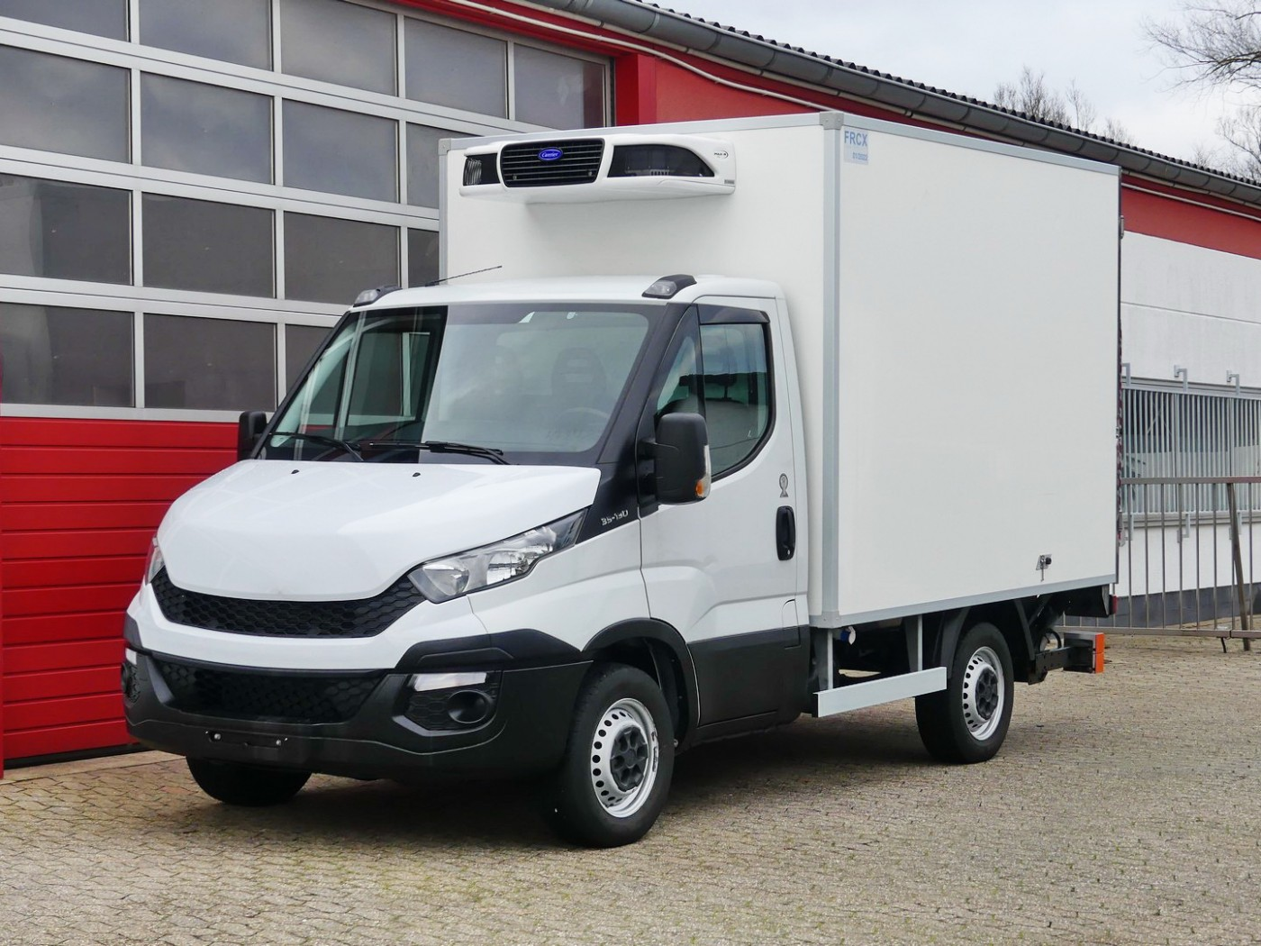 Iveco - Daily 35S13 Kühlkoffer Carrier LBW PDC TÜV