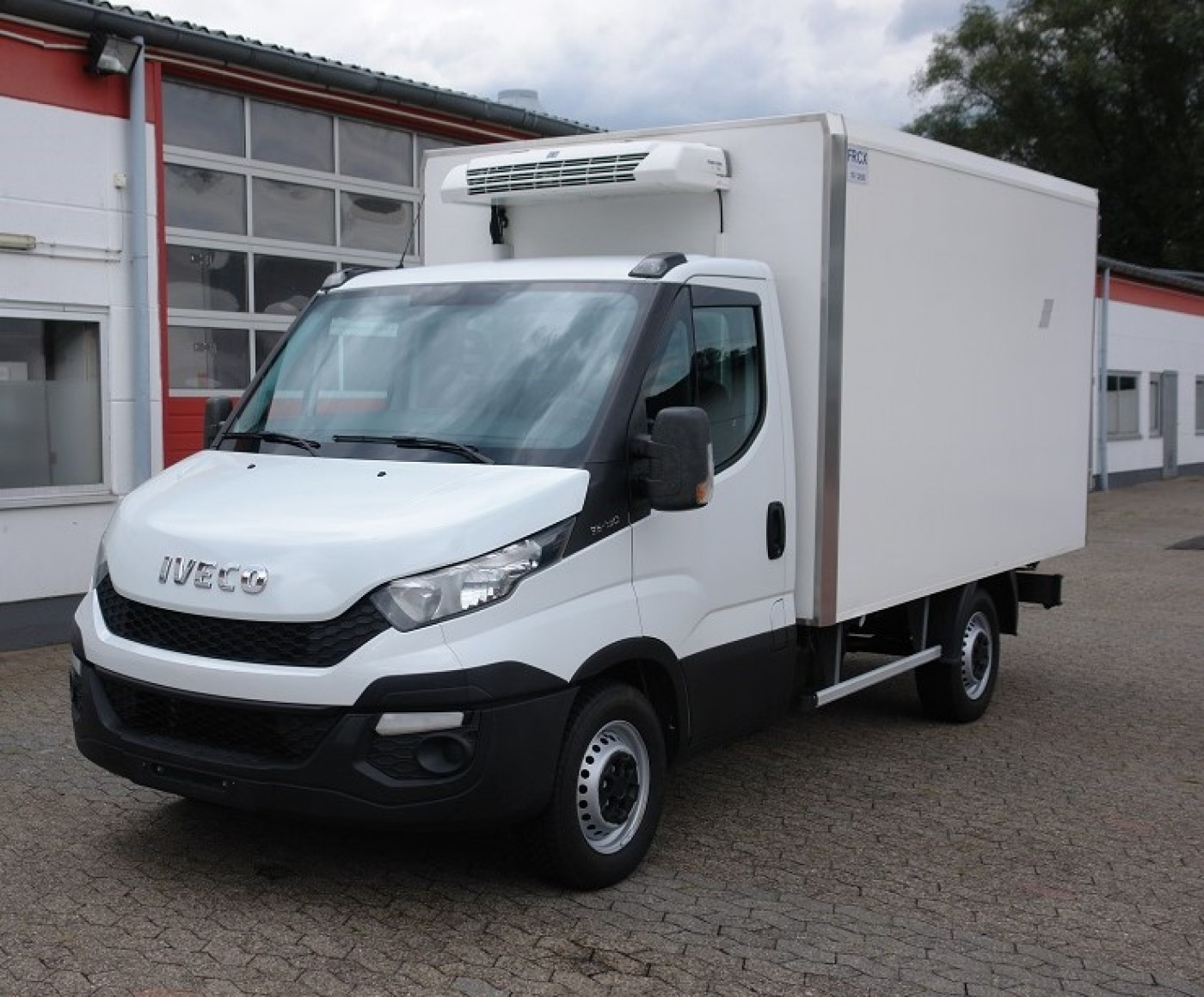 Iveco - Daily 35S13 Tiefkühlkoffer Thermo King V300MAX Klima 4 neue Reifen FRC 10/2020 TÜV