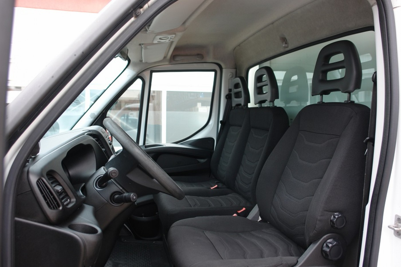 Iveco Daily 35S13 Tiefkühlkoffer Thermo King V300MAX Klima 4 neue Reifen TÜV