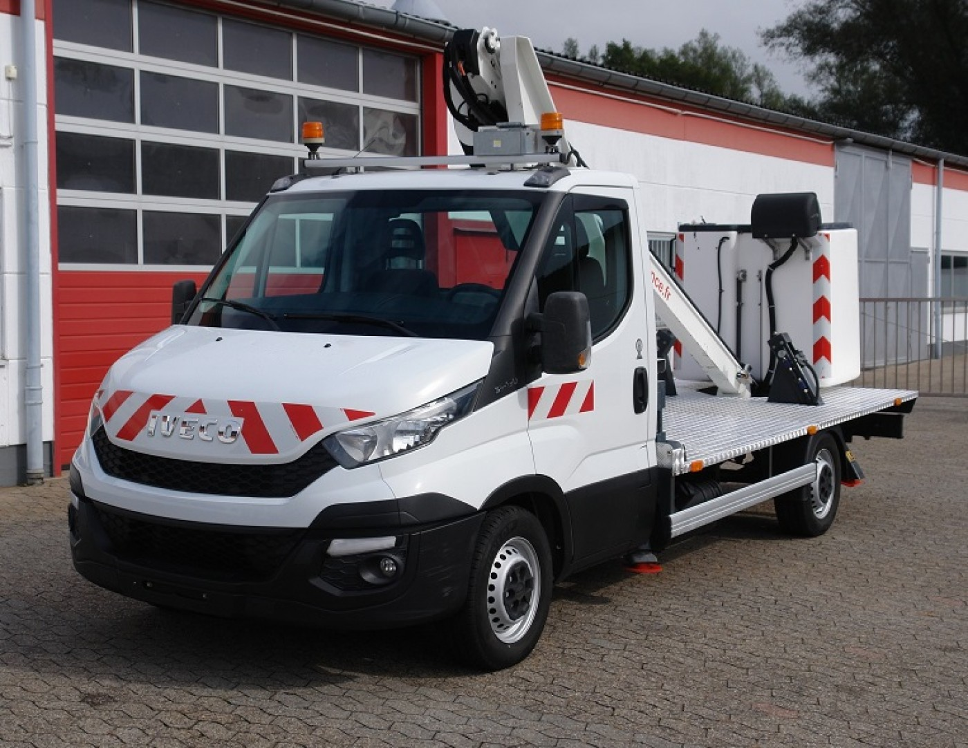 Iveco - Daily 35S13 autocarrata Time France LT130TB 13m EURO5