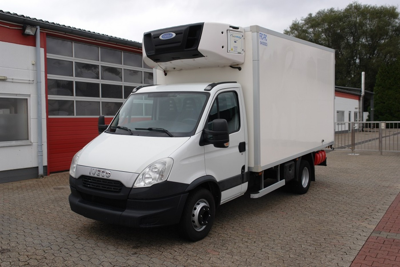 Iveco - Daily 70C17 KAMION HLADNJAČA Carrier Supra 750 Multi-temperature Silent +22°C -32°C