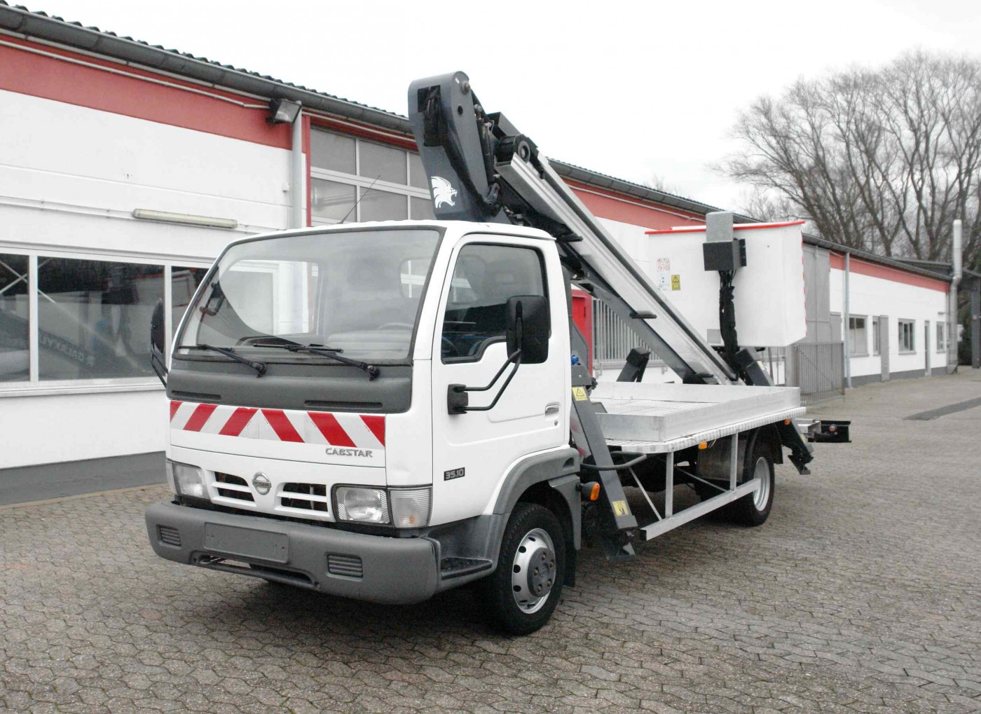 Nissan - Cabstar 35.10 Arbetsplattform Lionlift Galaxy Lift GT 18-12