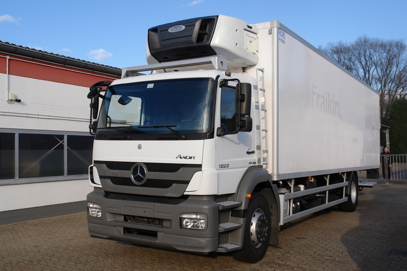 Mercedes-Benz - Axor 1829 caisse frigorifique Carrier Supra 950 Multi-Temperature City LBW Clim FRC ATP 01/2023 EURO5!