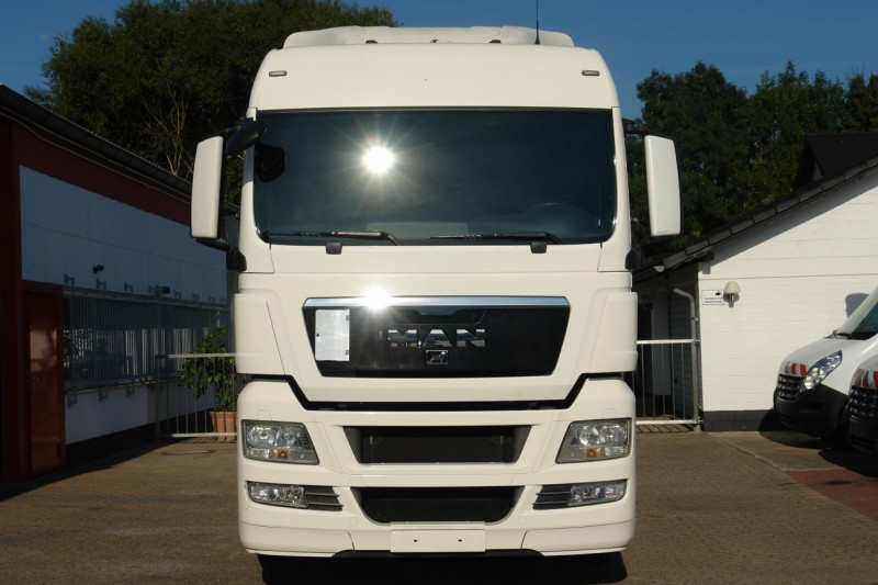 MAN TGX 18.400 XL manual gearbox airco heater roof spoiler new TÜV! TOP!